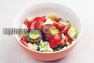 Салат с помидорами и мятой 1